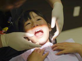 子供の顎関節症の原因と治療方法