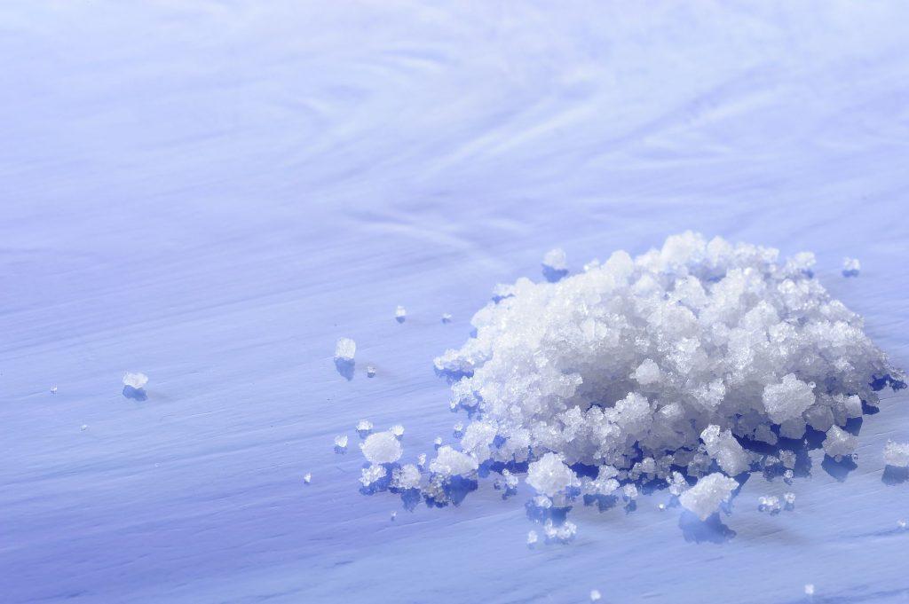 口内炎は塩で治る?