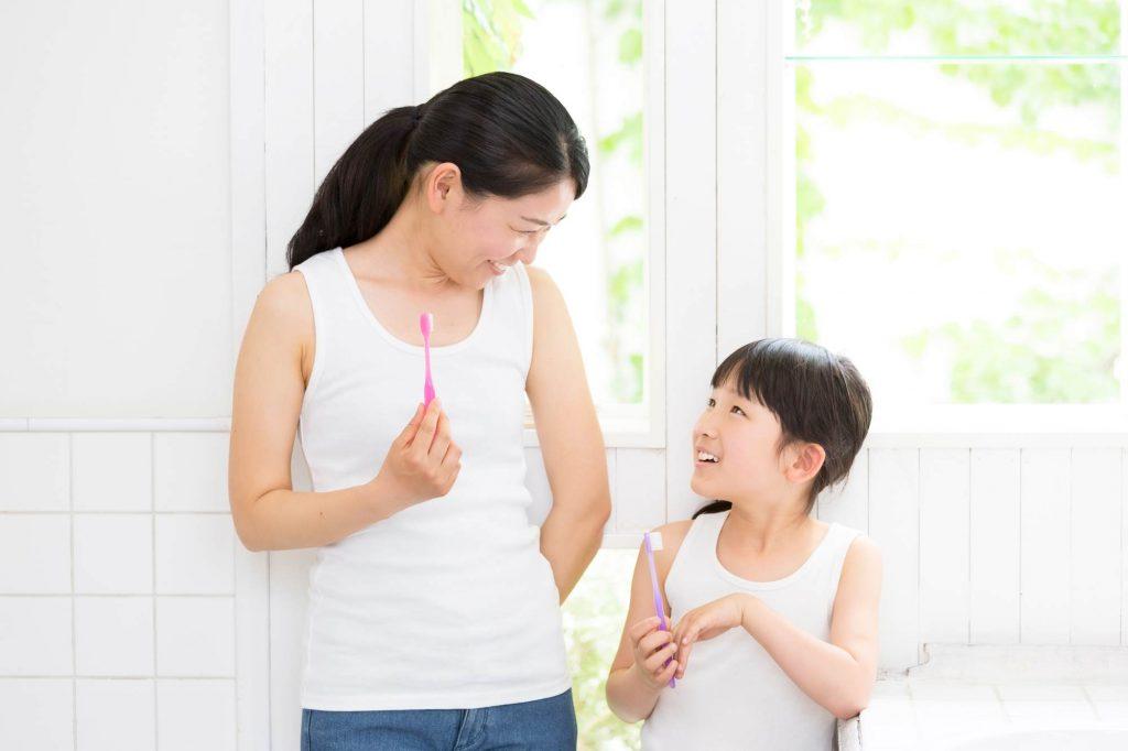 子供(幼児)に研磨剤入りの歯磨き粉は使っても大丈夫?