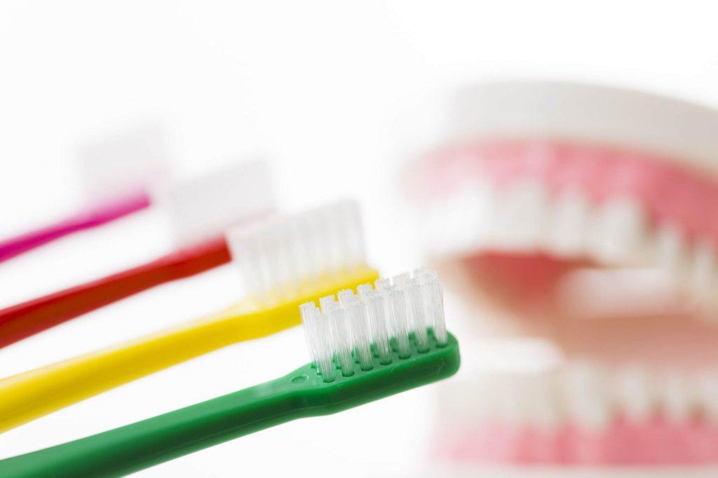 歯ブラシの硬さ・大きさの選び方とは?