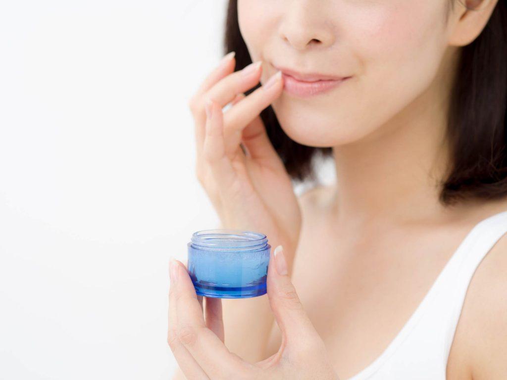 唇の口内炎にリップクリームは有効?どんな薬が有効なの?