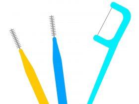 糸ようじと歯間ブラシ