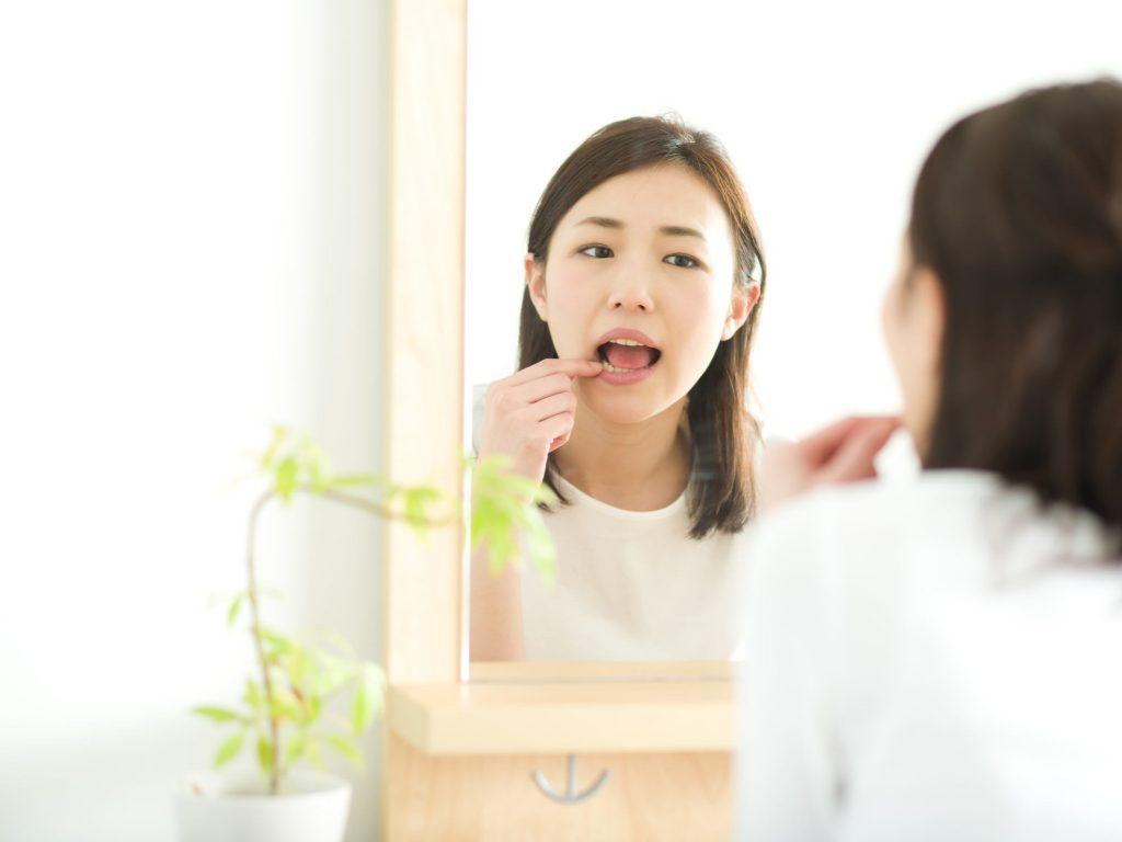 差し歯や詰め物の下が虫歯になる原因とは?