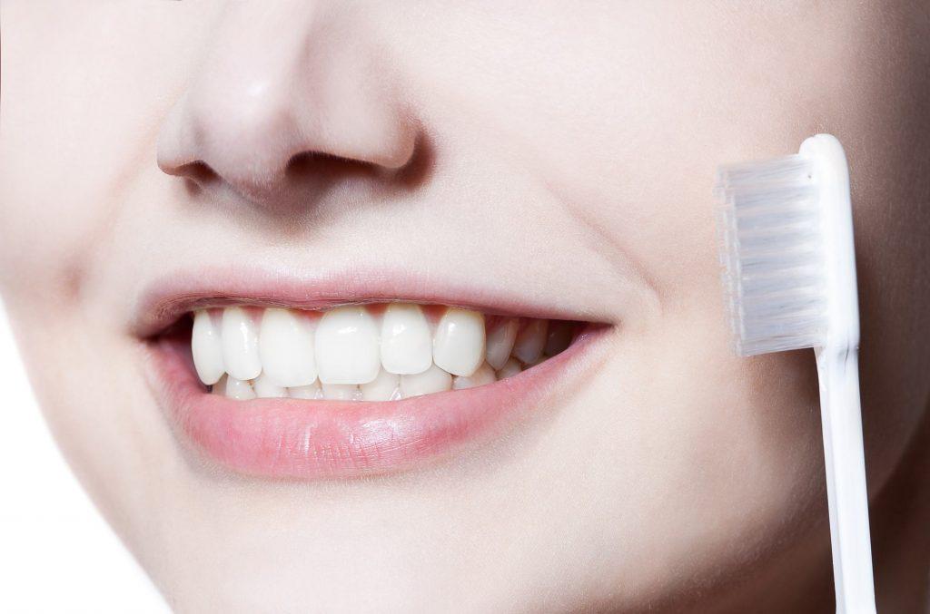 お口のケアの効果的な順番とは?(歯磨き・歯間ブラシ・フロス(糸ようじ)・マウスウォッシュ)
