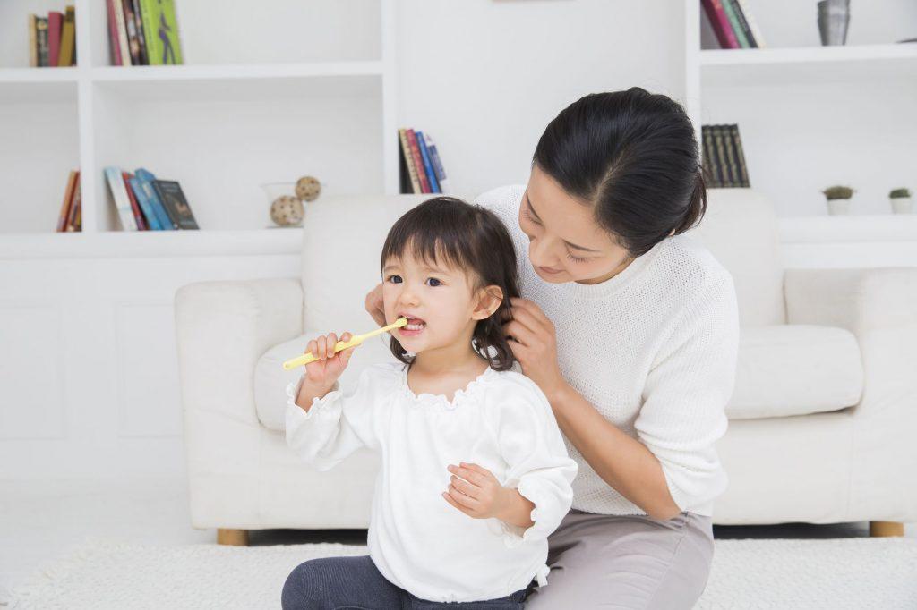 子供(幼児)に教える歯ブラシの持ち方とは