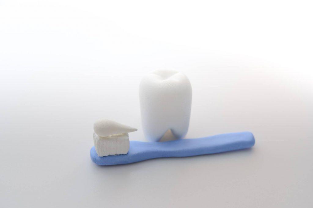 歯磨き粉の研磨剤は知覚過敏・歯周病に対してどのような影響をもたらすのか?