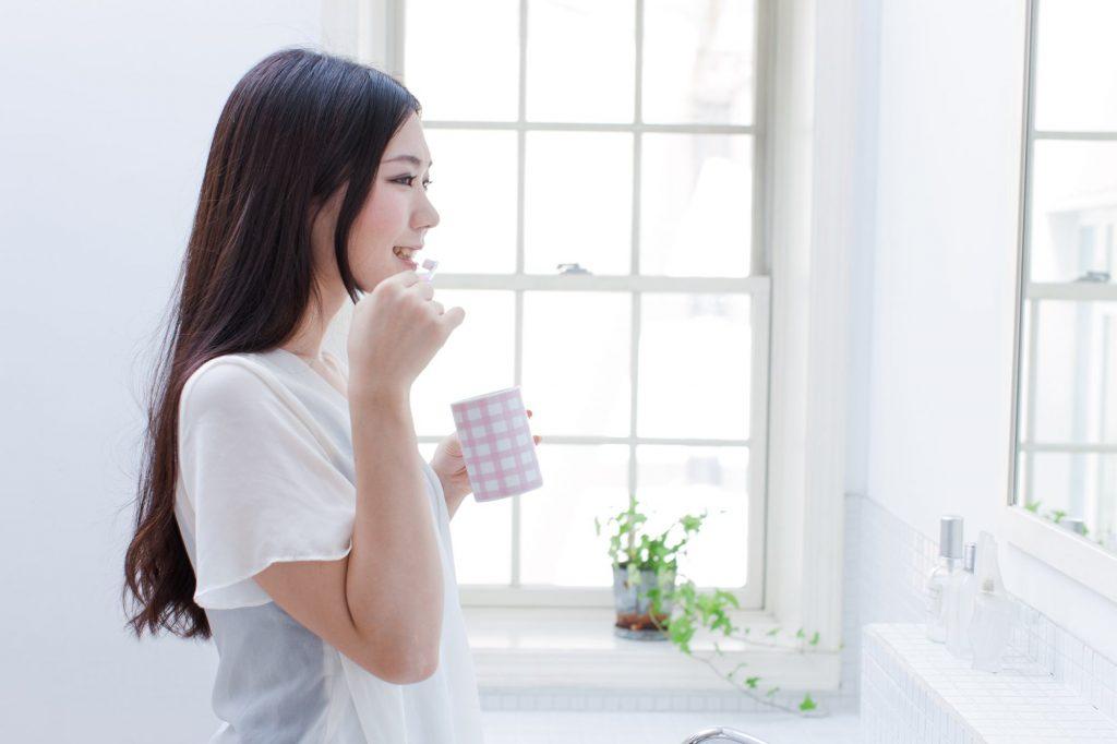 液体歯磨きと歯磨き粉(練り歯磨き)は併用した方がいいの?