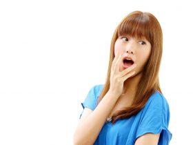 舌が真っ白な状態と口臭の関係とは?白い舌は口臭の原因?