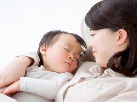 赤ちゃんへのキスや食べ物の口移しは虫歯の原因になるの?