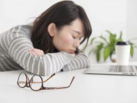 疲労や貧血が口臭の原因になるの?