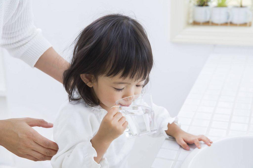 重曹での歯磨きやうがいは赤ちゃん・子どもでもやっていいの?