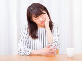 なぜ口内炎は生理前にできやすいのか?